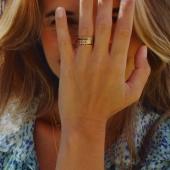 Es tiempo de pintarnos las uñas, ponernos anillos y salir a disfrutar. Da color a tus manos con nuestro anillo más deseado, el anillo Cezanne. 1, 2 y hasta 3. ¡Solos o juntos quedan ideal! #bevarac