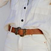 Aprovecha nuestro 15% de sólo hoy para hacerte con uno de nuestros cinturones de piel. ¡Ideal el color caramelo para este verano! #bevarac
