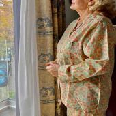 ¡Nuestra Abuela prefe, la Mejor MODELO!  Con su pijama de algodón natural estampado a mano. Ya los podéis encontrar en la web junto con las batas #bevarac